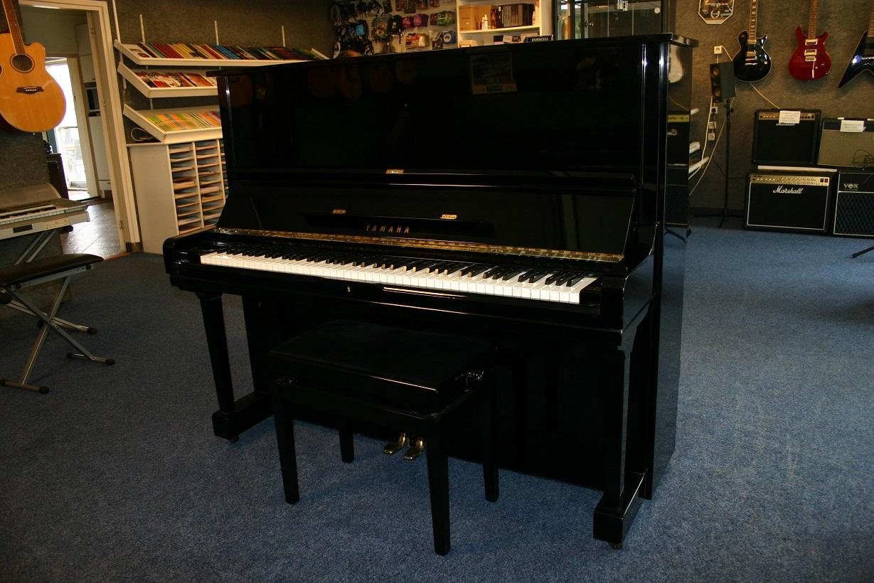 Mooie Houten Piano.Piano S Bij Muziekhandel Klein In Zuidewolde